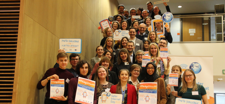 Group picture taken at the launch of the Youth Pledge for a Better Internet on Safer Internet Day 2020 at the European Commission